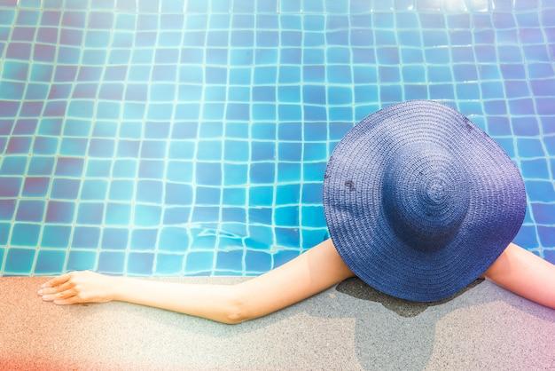Mulher, em, piscina