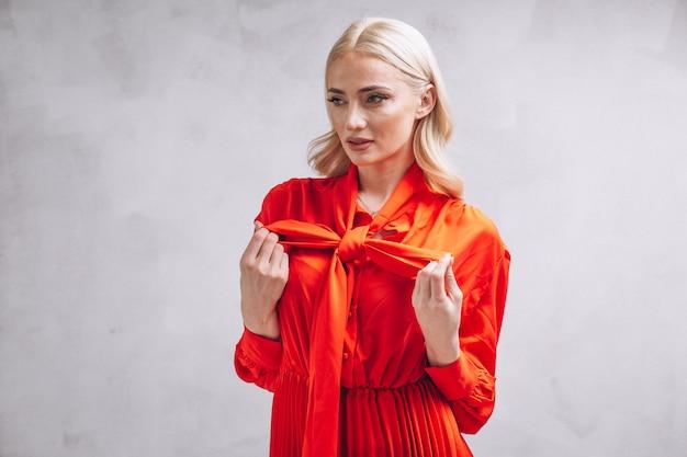 Mulher, em, vestido vermelho