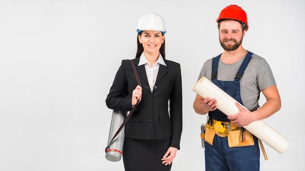 Mulher, engenheiro, e, construtor, ficar, com, whatman, sorrindo