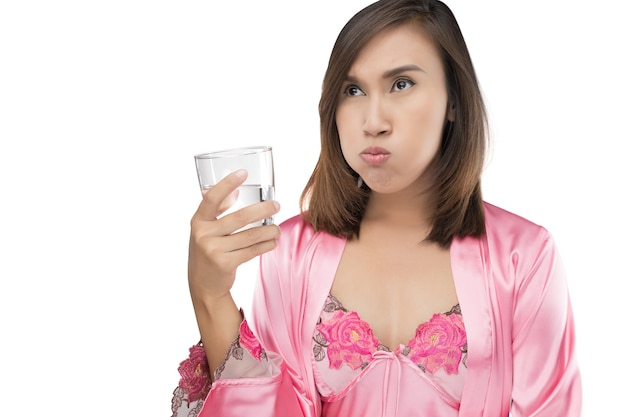 Mulher, enxaguar, e, gargarejo, enquanto, usando, mouthwash