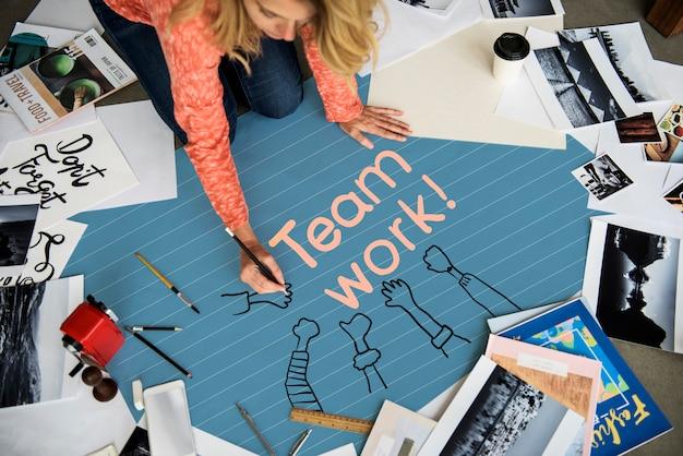 Mulher, escrita, trabalho equipe, papel