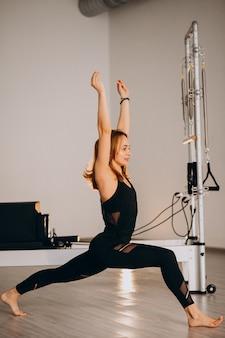 Mulher, exercitar, pilates