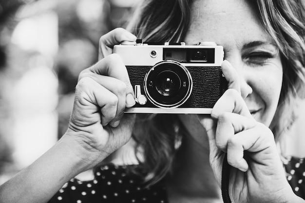 Mulher, falando, quadro, com, câmera