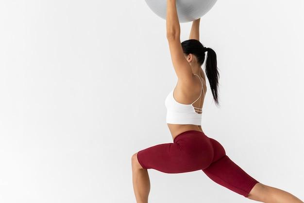 Mulher fazendo exercício físico