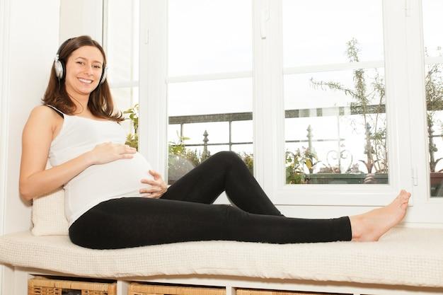 Mulher grávida em repouso