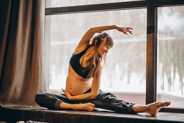 Mulher grávida, prática, ioga