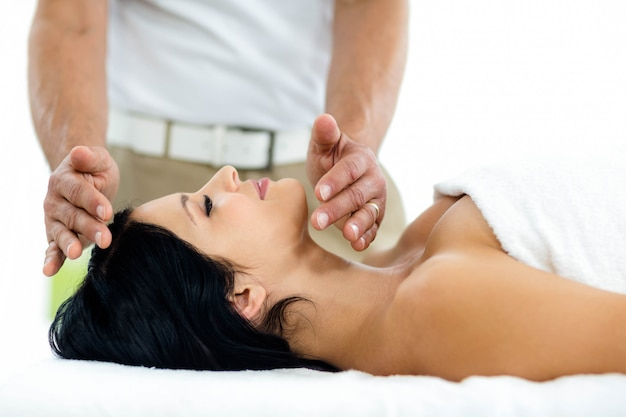 Mulher grávida, recebendo, um, tratamento spa, de, massagista, casa