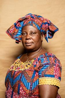 Mulher idosa africana