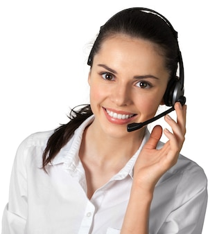 Mulher jovem com fones de ouvido, central de atendimento ou conceito de suporte