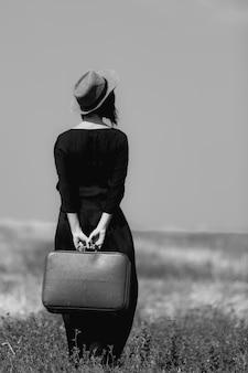 Mulher jovem, com, mala