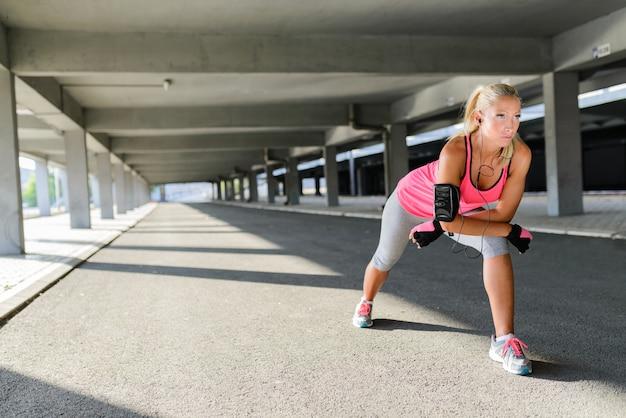 Mulher jovem desportiva