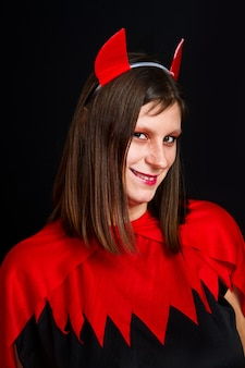 Mulher jovem diabo