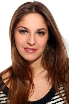 Mulher jovem e bonita com cabelo comprido