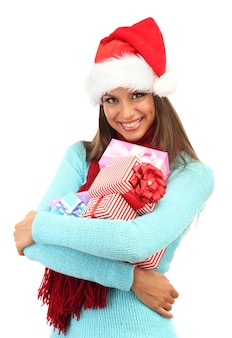 Mulher jovem e bonita com presentes, isolado no branco