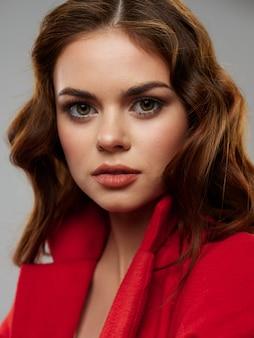 Mulher jovem e bonita