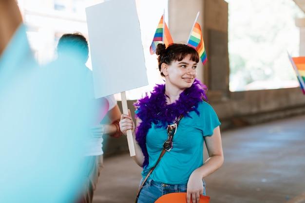 Mulher, juntar, um, orgulho alegre, e, lgbt, festival