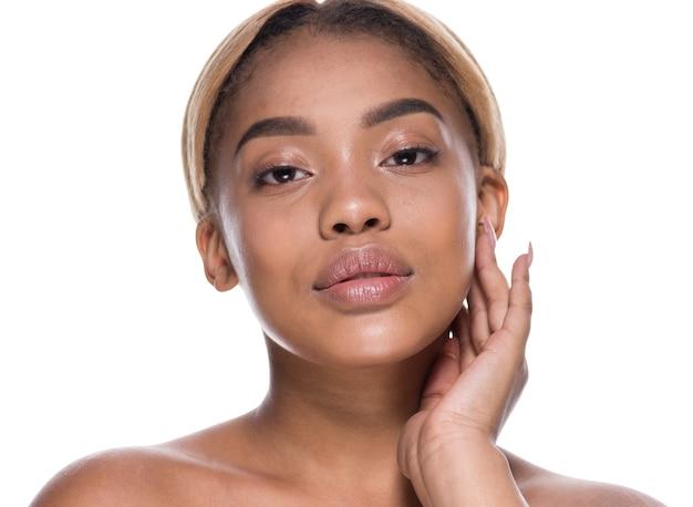 Mulher linda pele saudável afro-americana