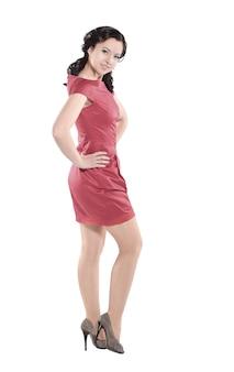 Mulher moderna em um vestido vermelho.