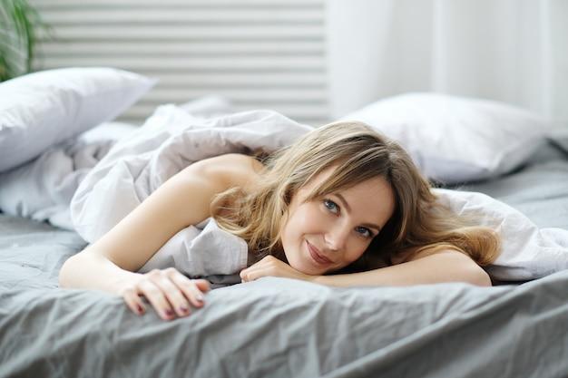 Mulher na cama