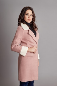 Mulher na primavera, casaco de outono moda clima frio