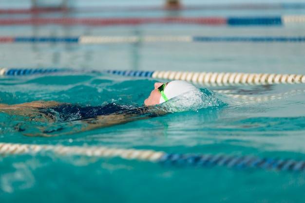 Mulher, natação, costas, cima