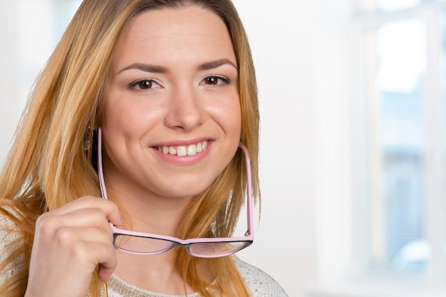 Mulher negócio, em, óculos