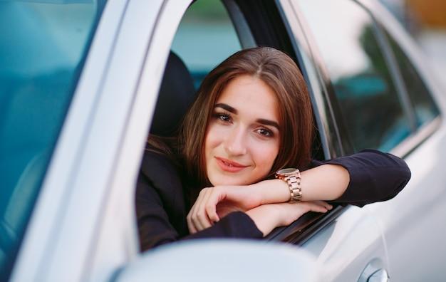 Mulher no carro