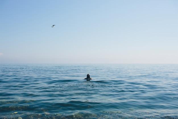 Mulher no mar
