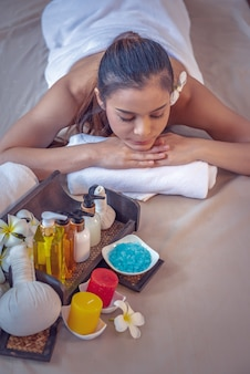 Mulher, obtendo, massagem, em, spa, meio ambiente