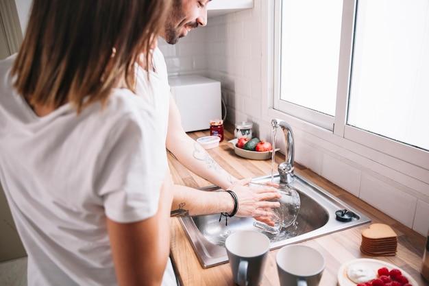 Mulher, olhar, homem, lavar, jarro