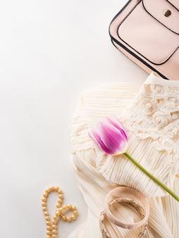 Mulher, roupas, vestido, acessórios, moda, shopping