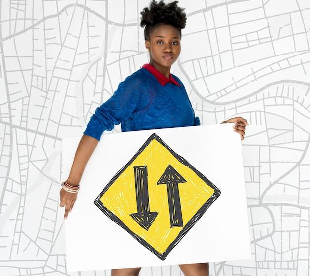 Mulher segurando banner gráfico de sobreposição de rede