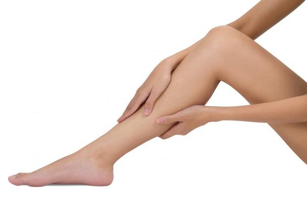 Mulher, segurando, dela, perna, com, massaging, shin, e, bezerro, em, dor, áreas, isolado, branco