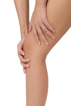 Mulher, segurando, perna, com, massaging, joelho, e, bezerro, em, dor, áreas, isolado, branco