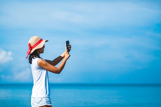 Mulher, selfie, praia