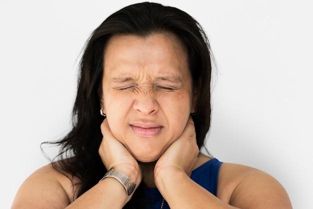 Mulher sentir realmente dor no pescoço e músculo