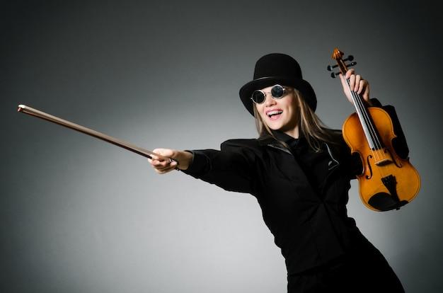 Mulher, tocando, violino clássico