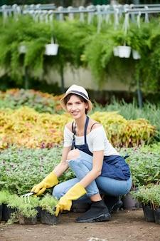 Mulher trabalhando em um jardim infantil