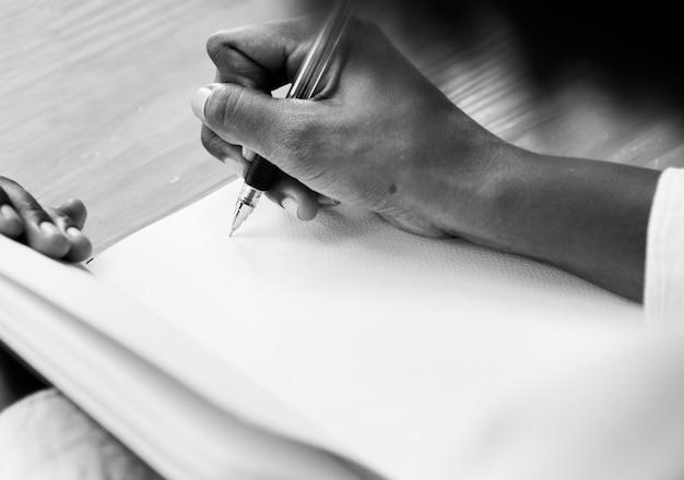Mulher, writining, em, um, caderno