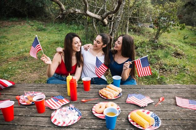 Mulheres, celebrando, independência, dia