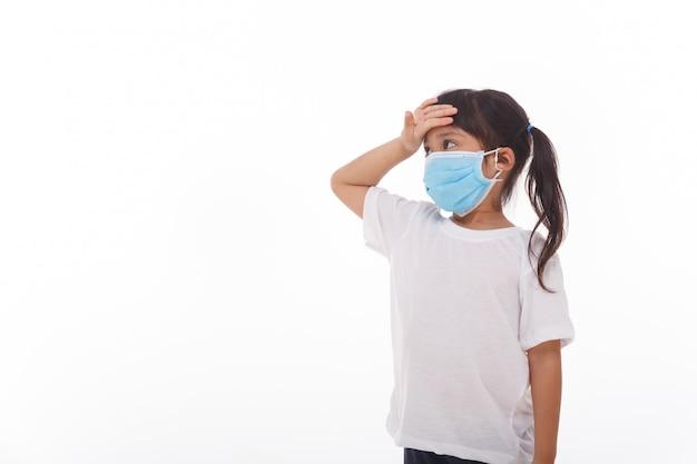 Mulheres da ásia usando máscara para prevenir o vírus