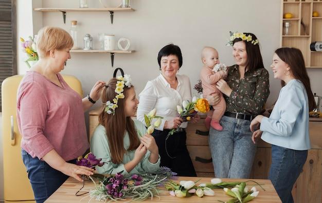 Mulheres de todas as idades e bebê