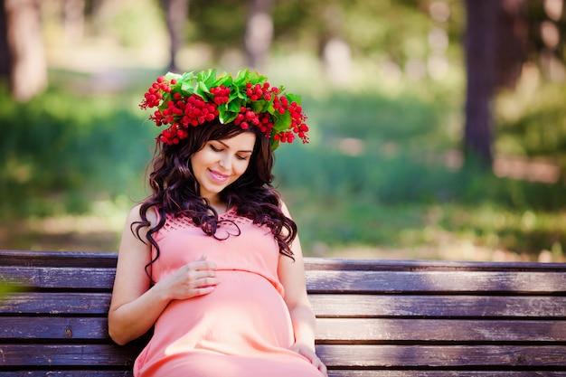 Mulheres grávidas no parque