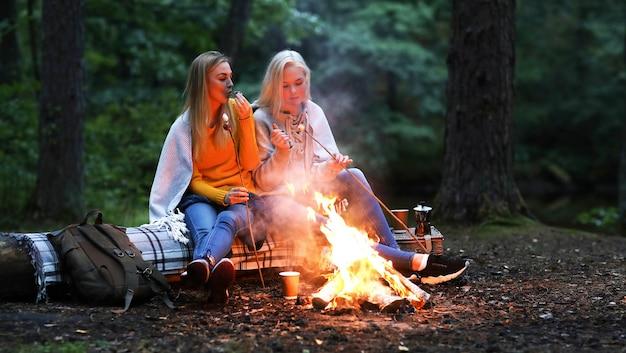 Mulheres na floresta