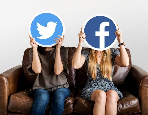 Mulheres, segurando, social, mídia, ícones