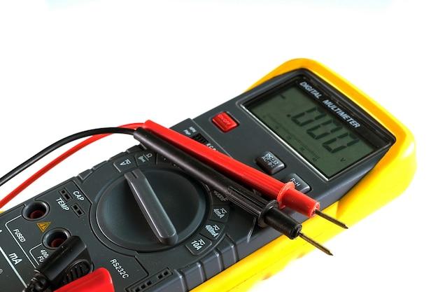 Multímetro digital elétrico e unidade eletrônica