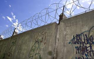 Muro de arame farpado, militares