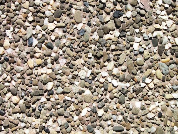 Muro de pedra com alvenaria antiga no dia