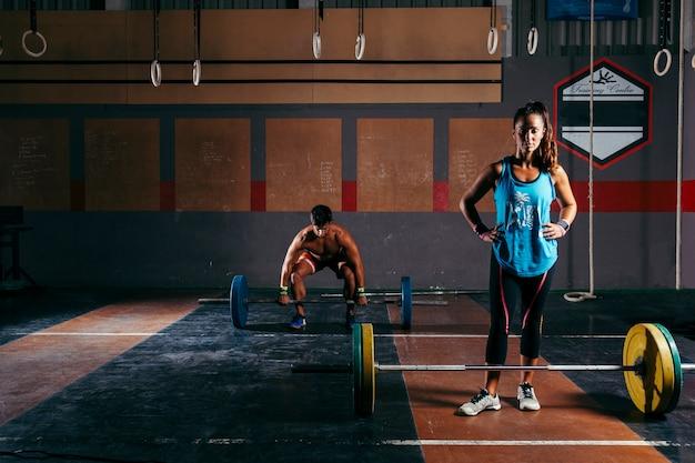 Musculação no ginásio