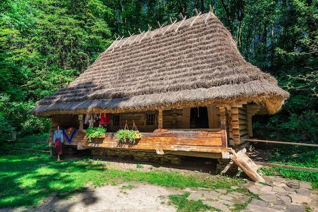 Museu de arquitetura popular e vida rural em lviv, ucrânia
